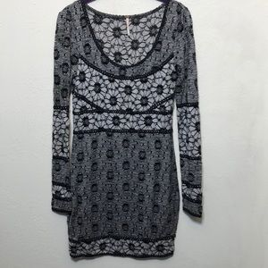 Free People Floral Long Sleeve Mini Dress D16